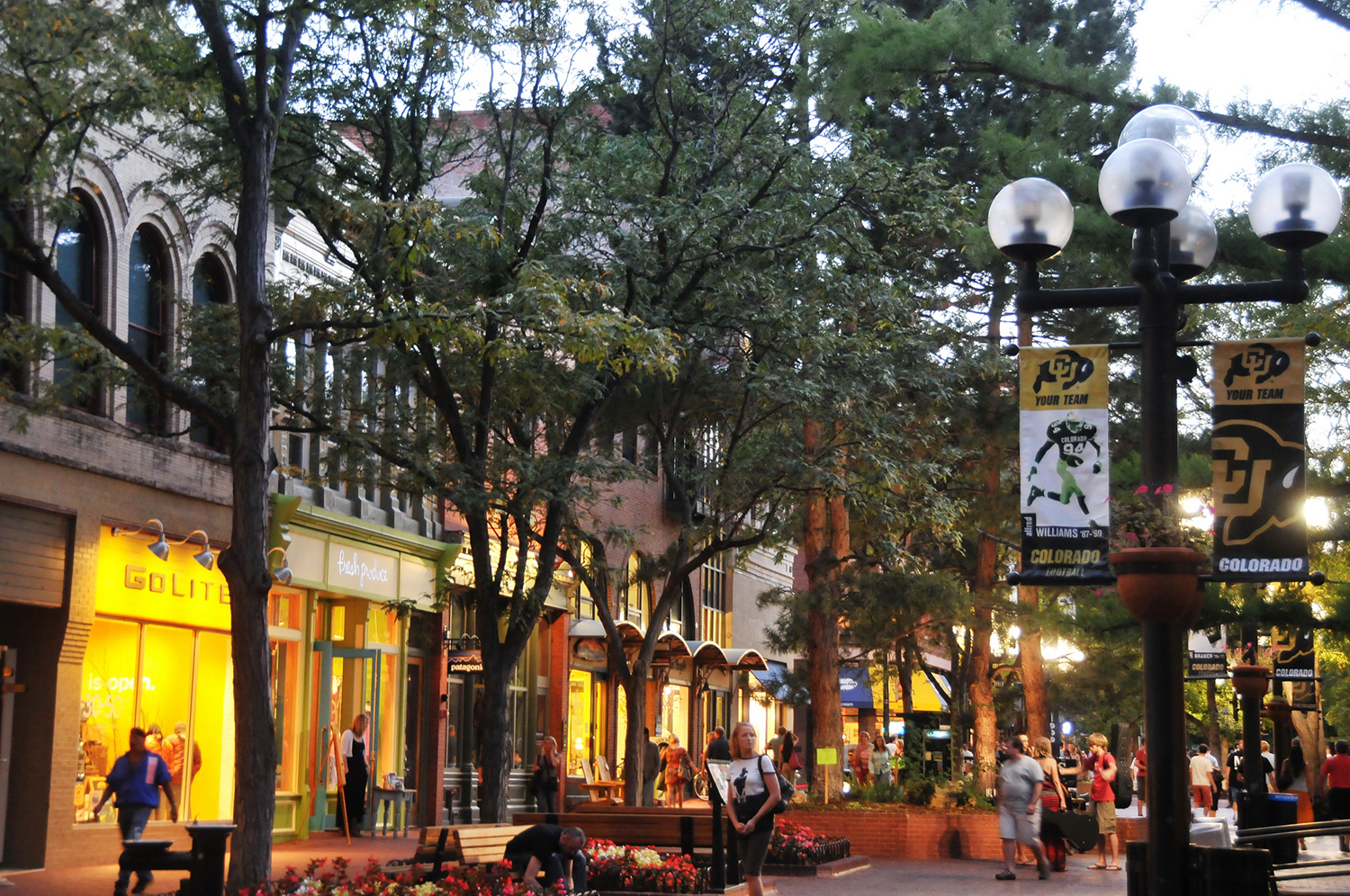 Pearl Street Mall Beloved Boulder Attraction Coloradocom