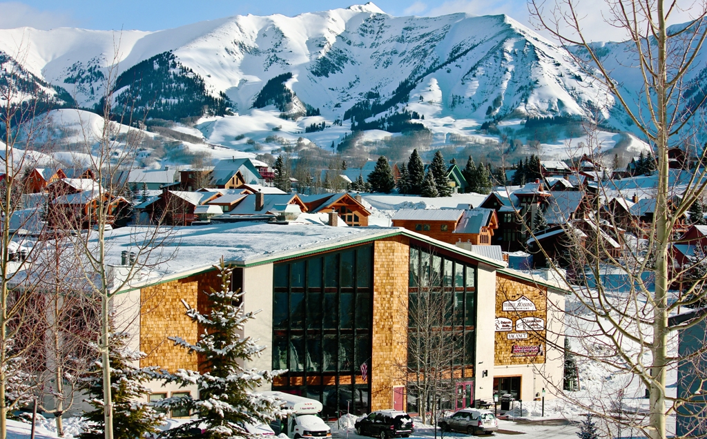 Crested butte lodging 10 awesome places to stay for Crested butte cabins